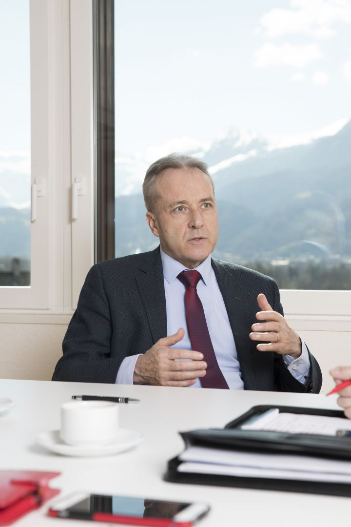 Misstraut der FBP-Präsident den Ohren seines Fraktionssprechers?